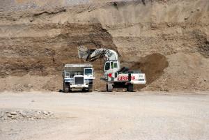 Escavatore LIBHERR Cava suriana